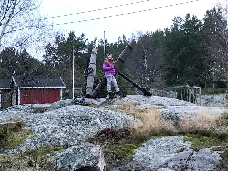 Julia bestiger berg.
