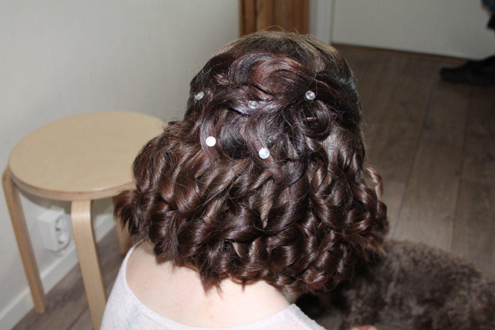Vackert hår skall man ha när man ska på bal!